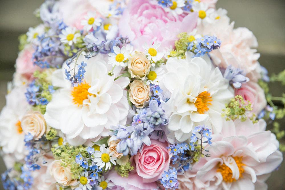 Yorkshire Wedding Photographer - Natural Wedding Photography - Lineham Farm Wedding Photographer (15 of 219).jpg