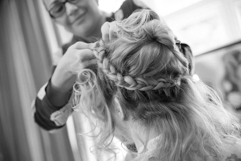 Yorkshire Wedding Photographer - Natural Wedding Photography - Lineham Farm Wedding Photographer (20 of 219).jpg
