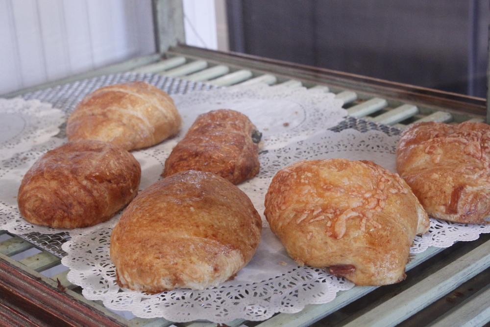 Croissant Closeups 2.JPG