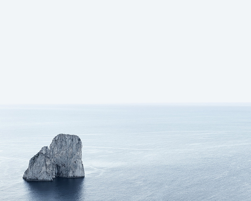 Faraglioni early morning Capri.jpg