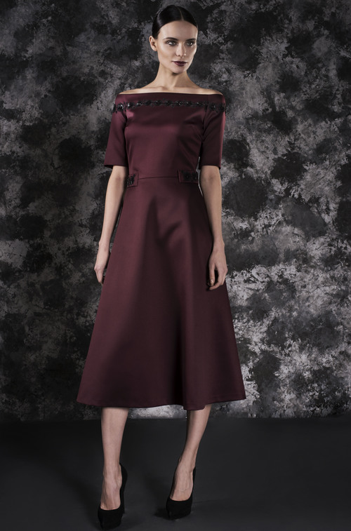 Collar Dress with Open-Back