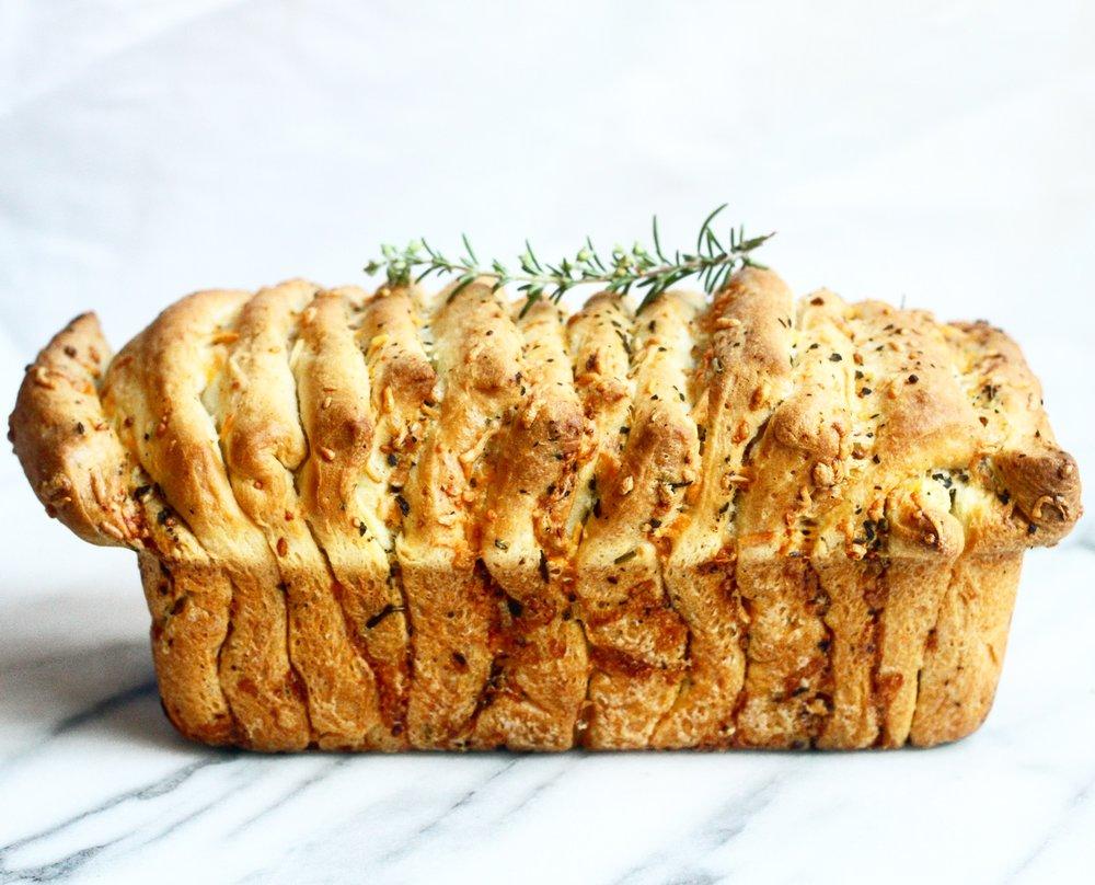 Garlic Rosemary And Cheese Pull Apart Bread