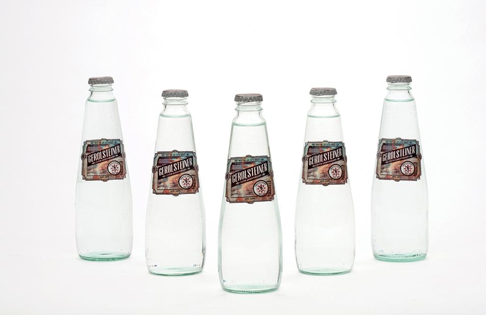 6pack_water_05.jpg