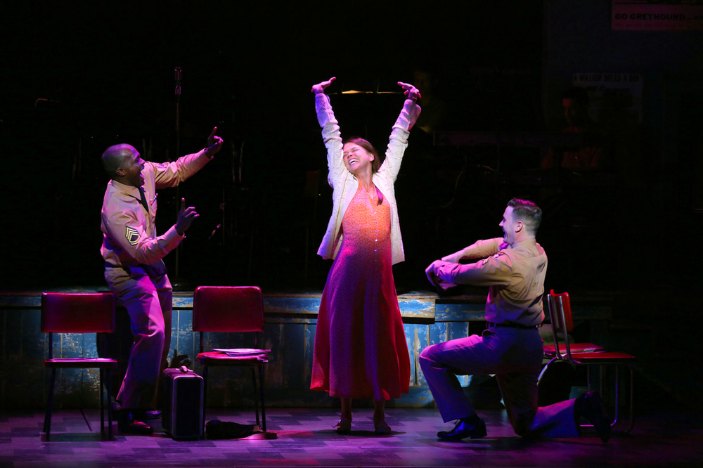 joshua-henry-sutton-foster-colin-donnell.jpg