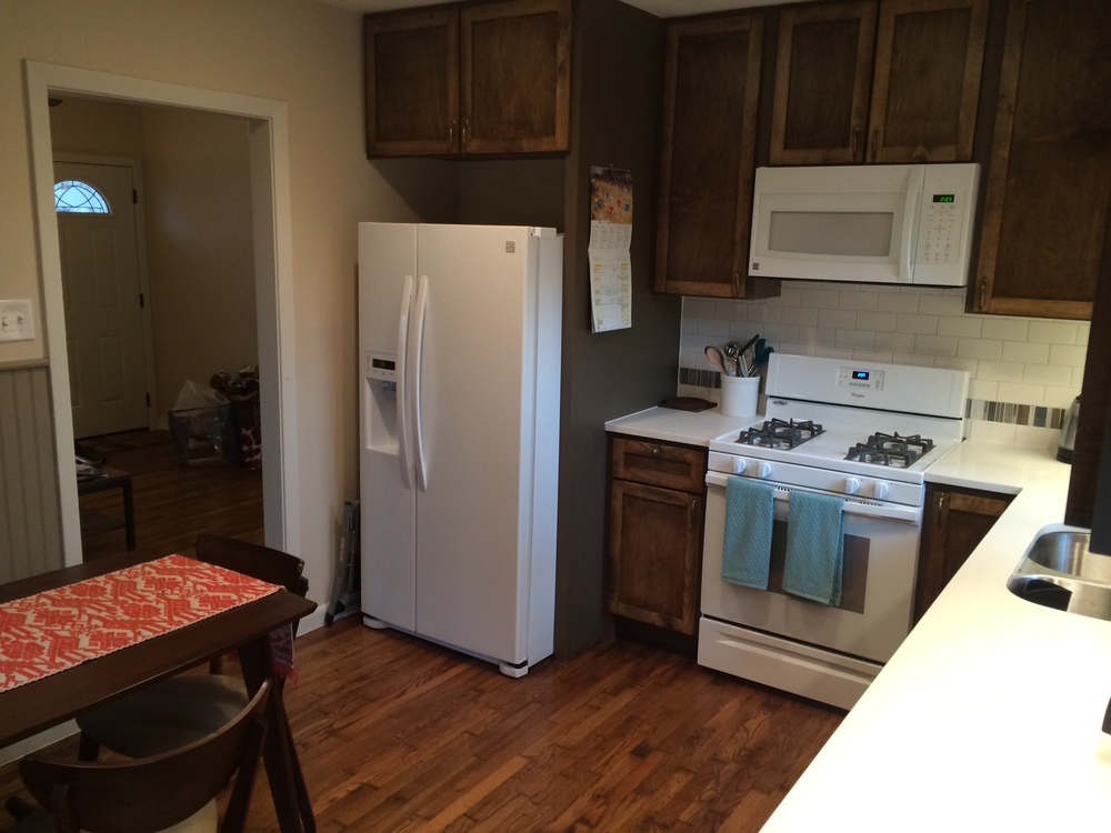 Kitchen fridge & stove.JPG