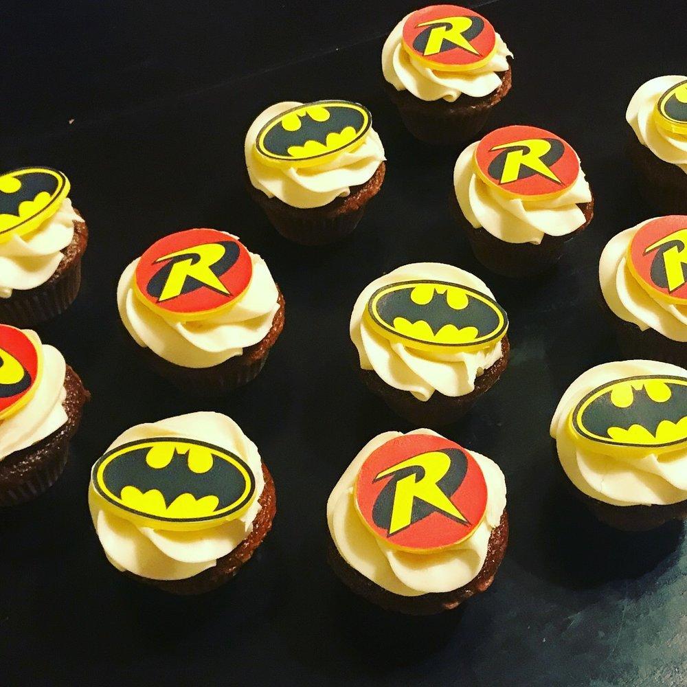 Batman and Robin Cupcakes