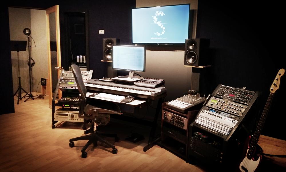 studio_good_angle_n2.jpg
