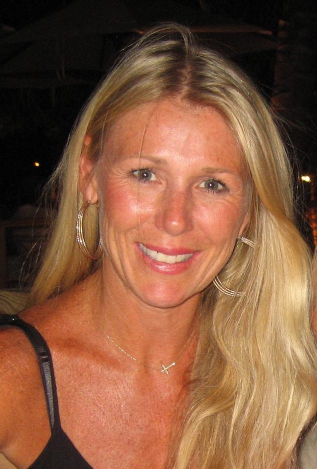 Melissa would love to have you join her Pilates mat classes.