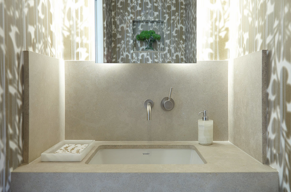 HUYS Building Powder Room By Evelyn Benatar