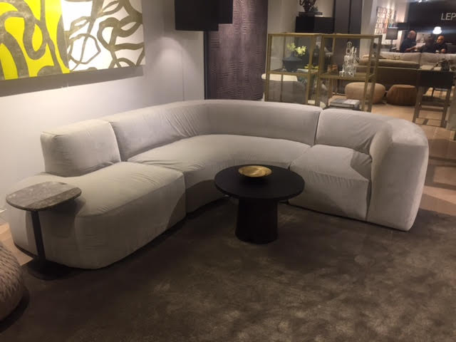 CURVED SECTIONAL @ LEPERE
