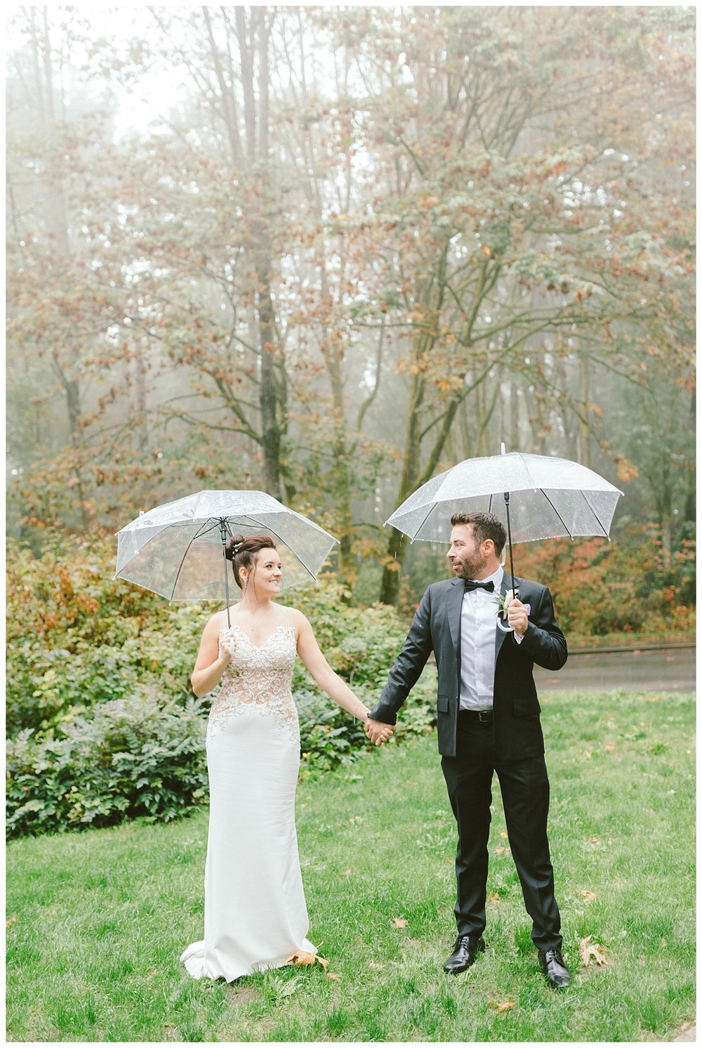 Fall Wedding prewedding photos downtown Vancouver BC (Stanley Park)