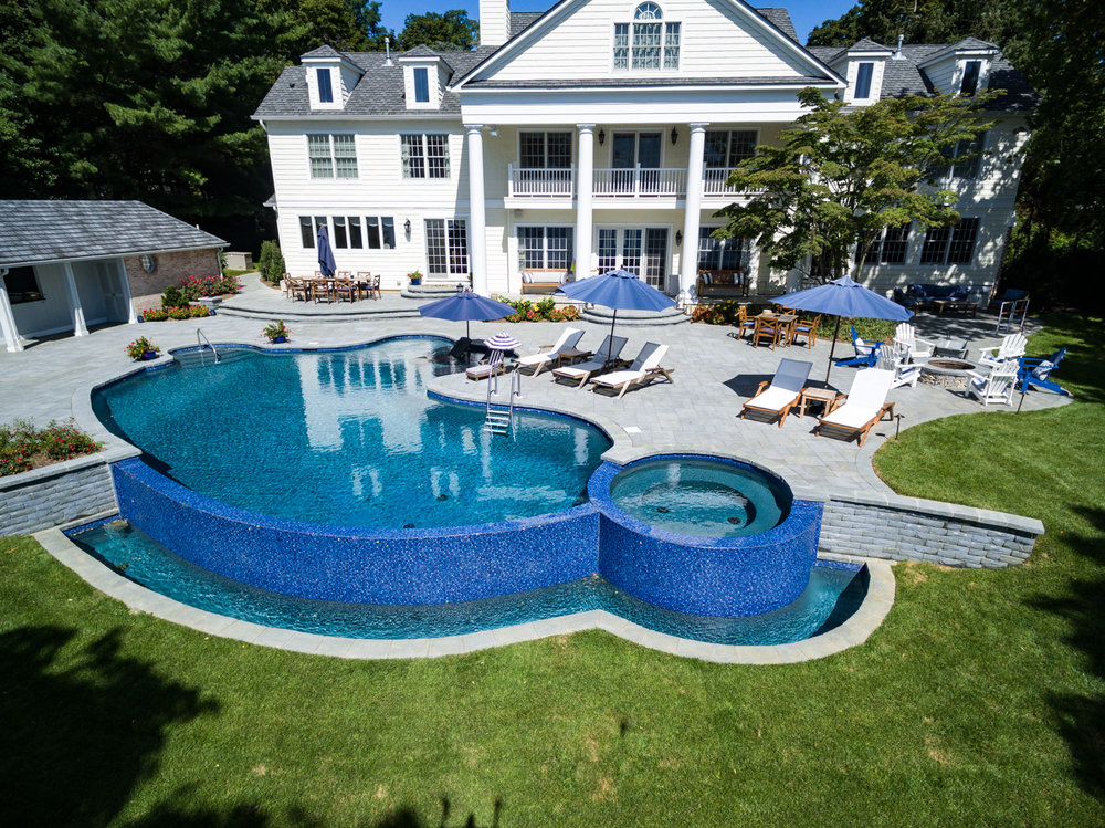 6-vanishing-edge-Custom-Pool-Design-NJ.jpg