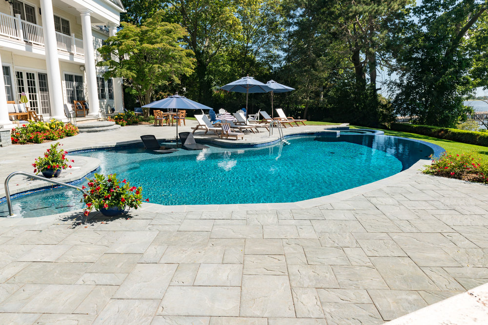 11-vanishing-edge-Custom-Pool-Design-NJ.jpg