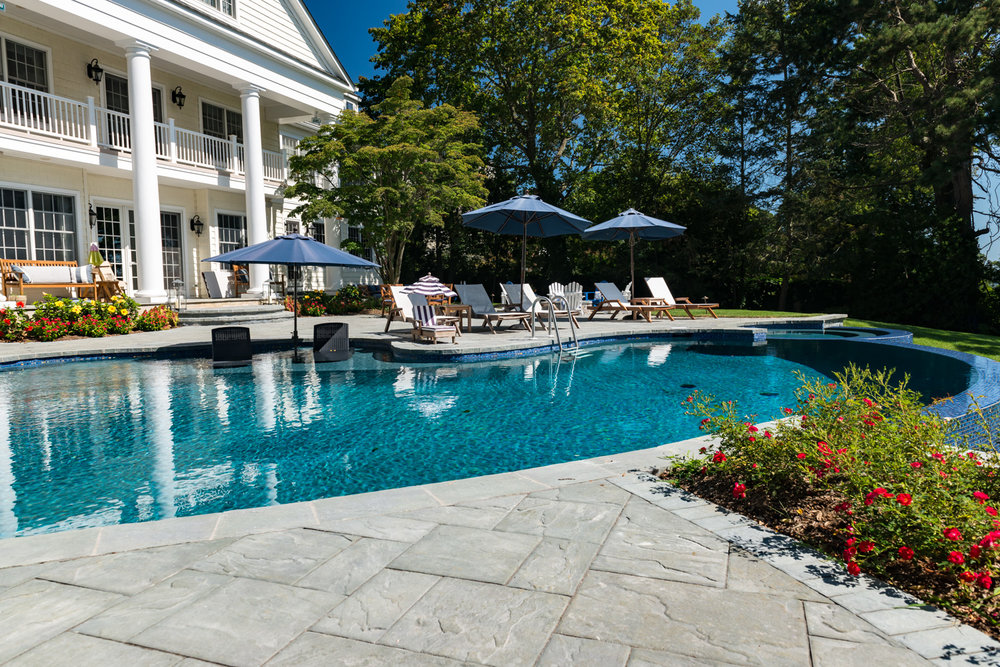 16-vanishing-edge-Custom-Pool-Design-NJ.jpg