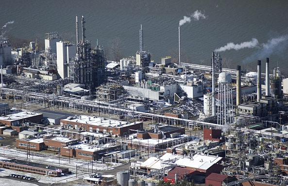 Craig Holman | Dispatch file photo DuPont's Washington Works chemical plant on the Ohio River