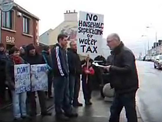 Owen Curran speaking at a protestAn Phríomhshráid, An Fál Carrach Dún na nGall, 8 Jan 2012