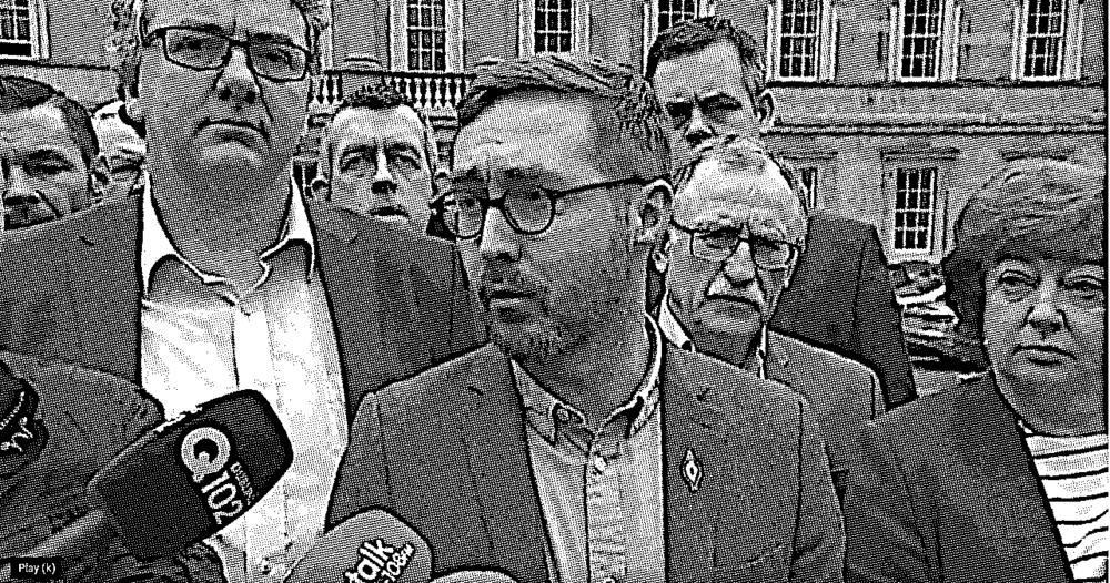 See video -  R2W Dáil plinth 6th April 2017