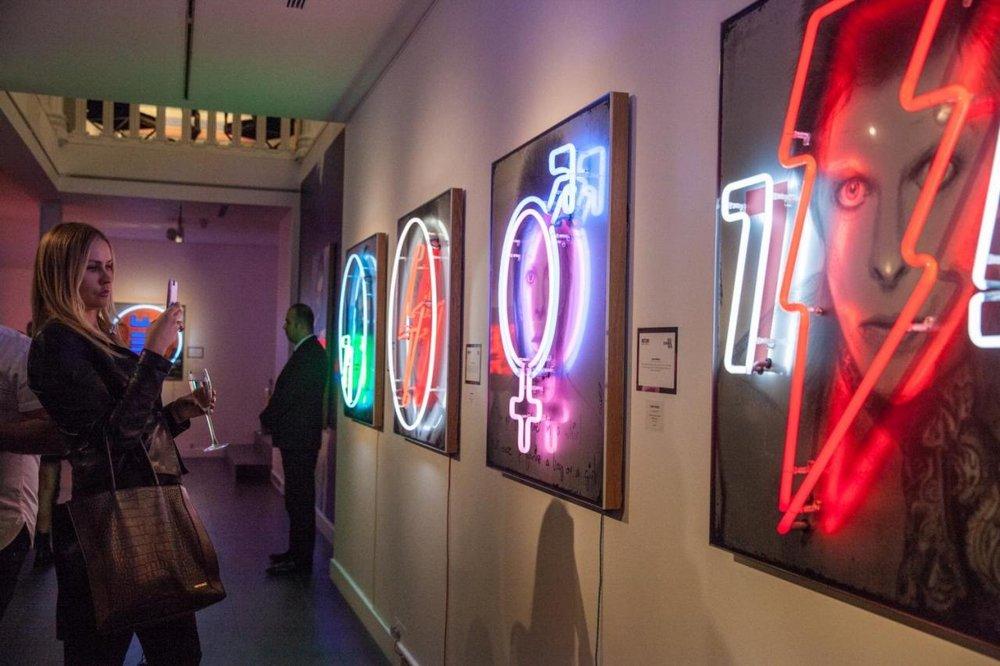 Louis Sidoli Neon Artist: David Bowie Golden Years neon exhibition: