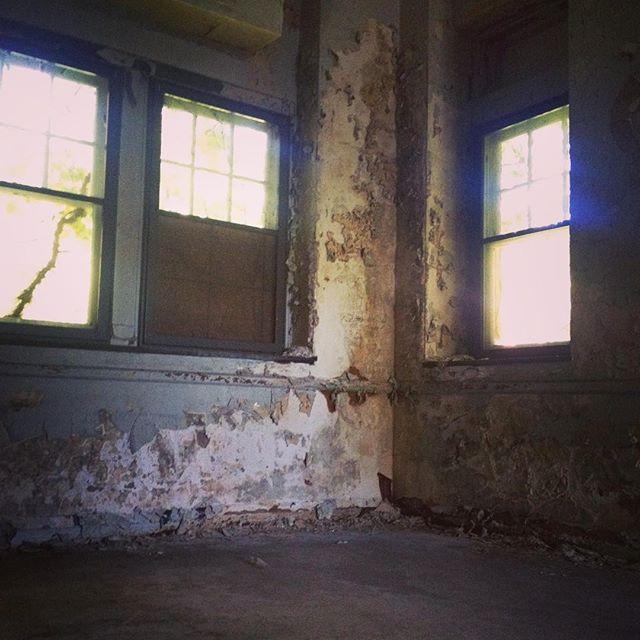 #pennhurst #urbanexploration #pennhurstasylum #careyfruth #decay #abandoned #abandonedhospital #pa #pennhurststateschool