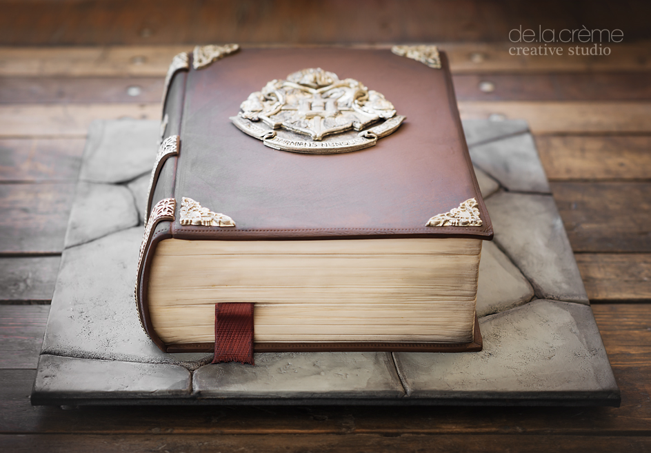 Cake Harry Potter Book : Harry Potter Spell Book Cake   De la Creme Creative Studio