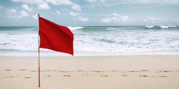 RED-FLAG-BEACHSml.jpg
