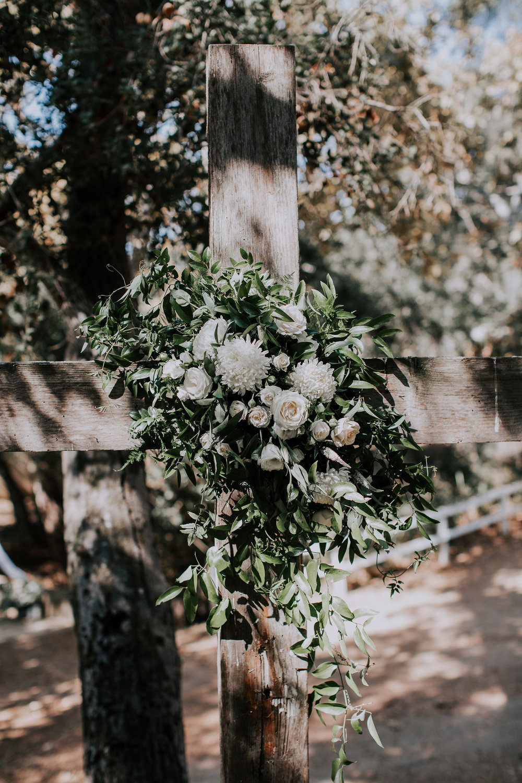 ceremony flowers 9.jpg