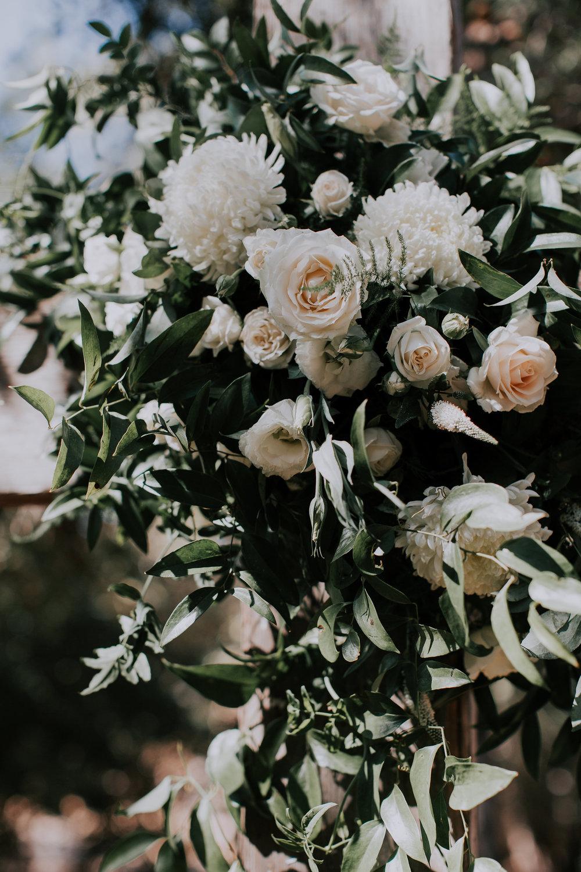 ceremony flowers 10.jpg
