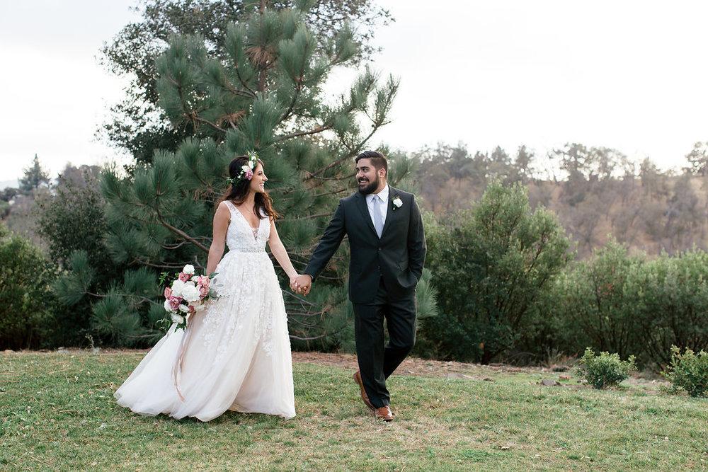 bride and groom flowers -54.jpg