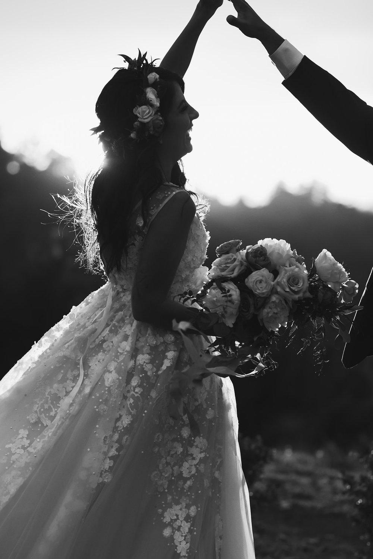 bride and groom flowers -207.jpg