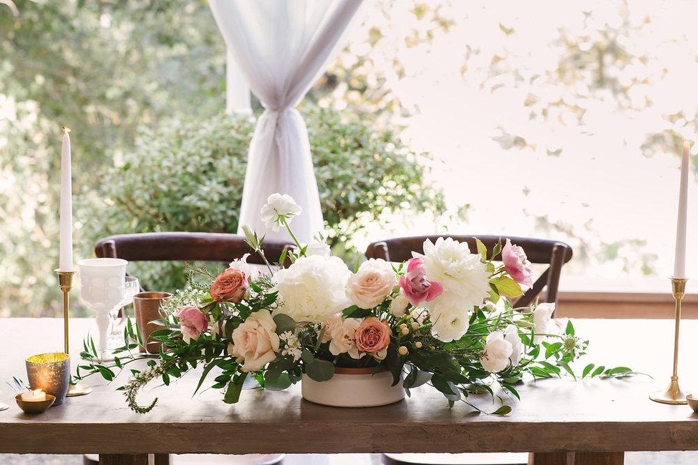 sweetheart table flowers -38.jpg