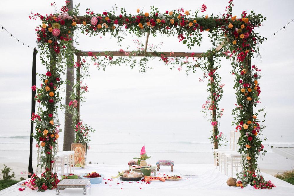 Ceremony Flowers-666.jpg