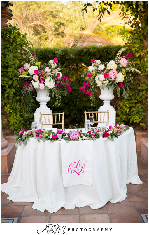 sweet heart table flowers_468.JPG