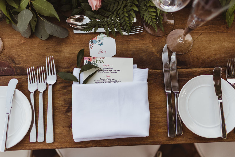 21 place setting flowers.jpg