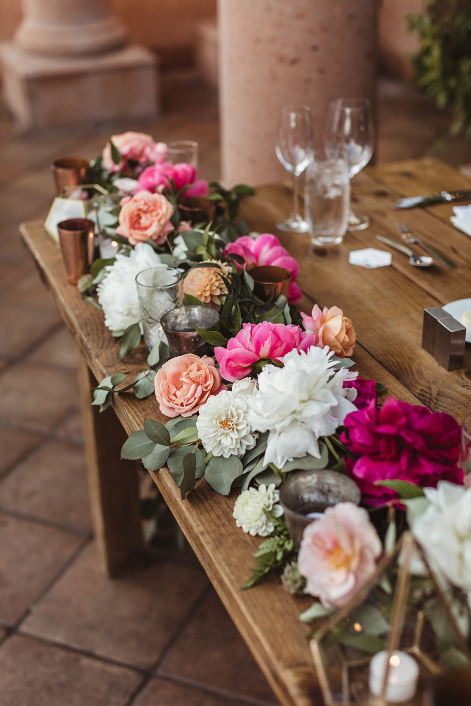 Sweet heart table flowers 3.jpg