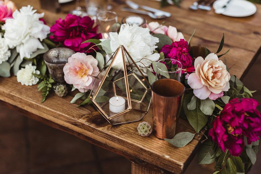 Sweet heart table flowers 1.jpg