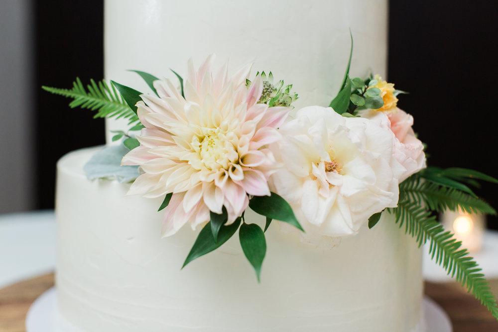 cake flowers-643.jpg