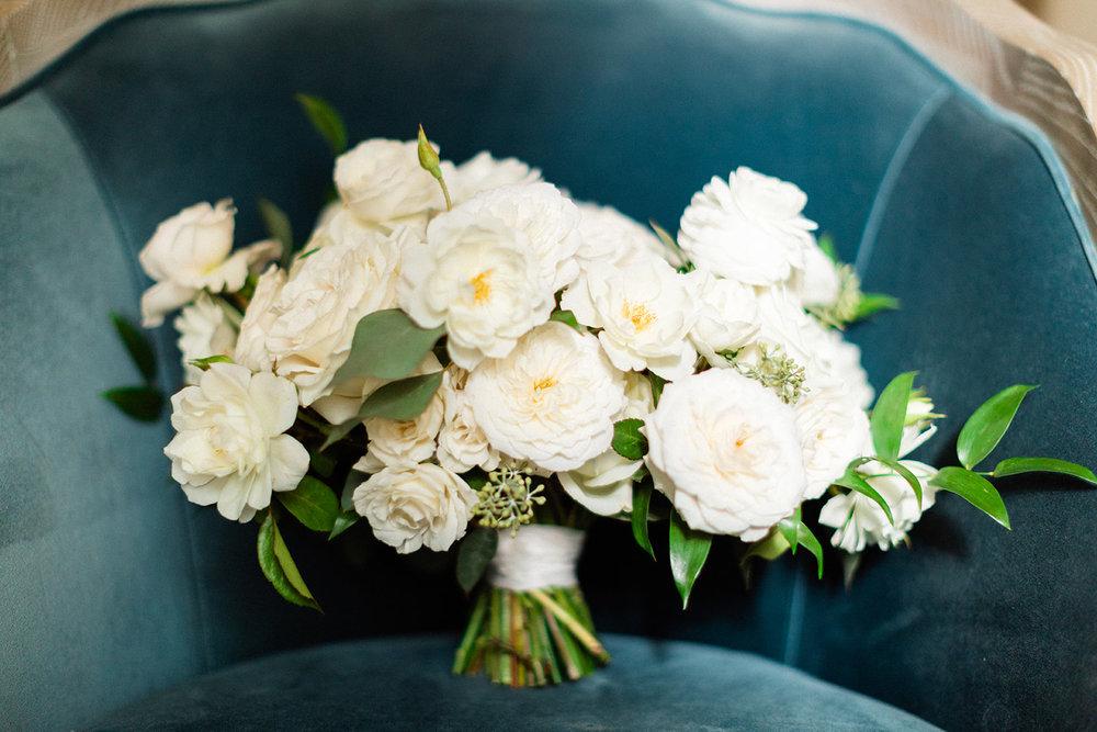 1 white bridal bouquet.jpg