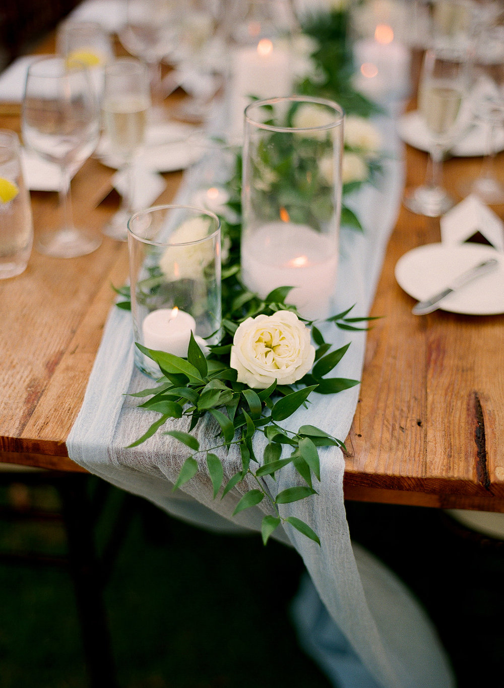 28 long table flowers.jpg