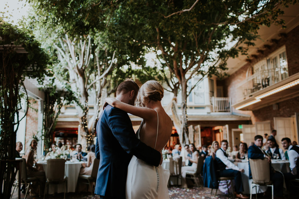 33 wedding reception flowers.jpg