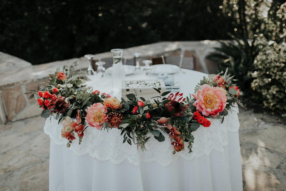 sweetheart table flowers 1.jpg