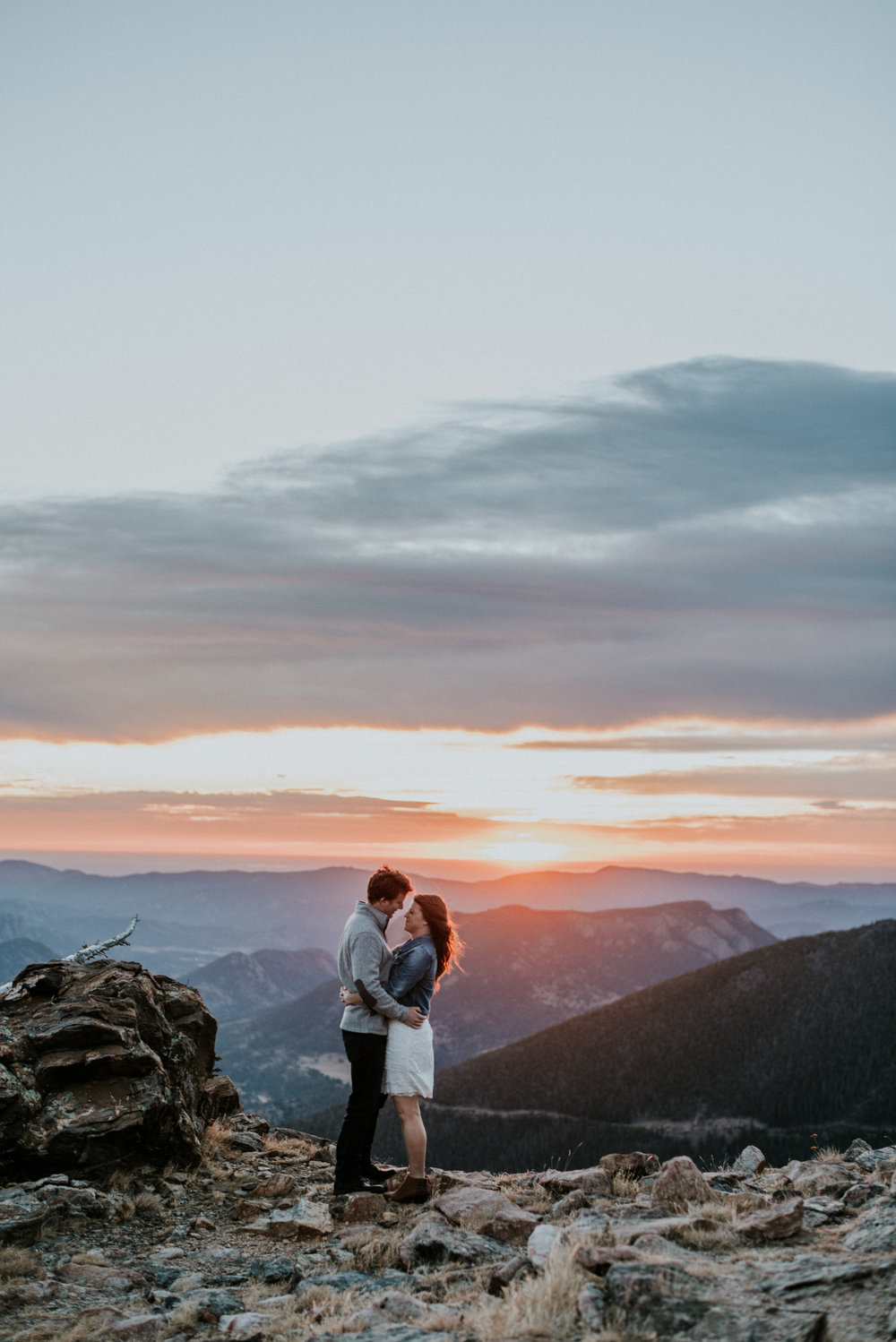 Trail Ridge Road Sunrise Snowy engagement session.jpg