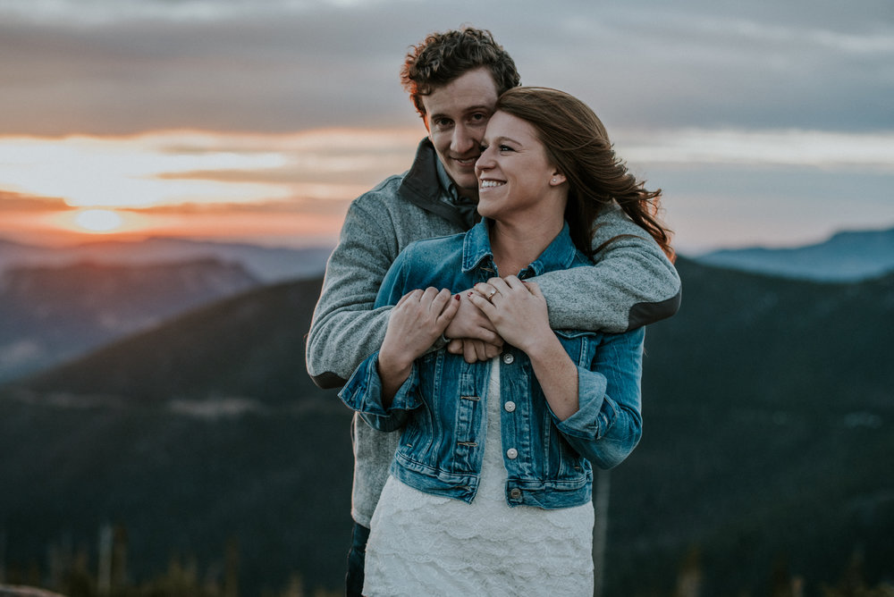 Trail Ridge Road Sunrise Snowy engagement session-3.jpg