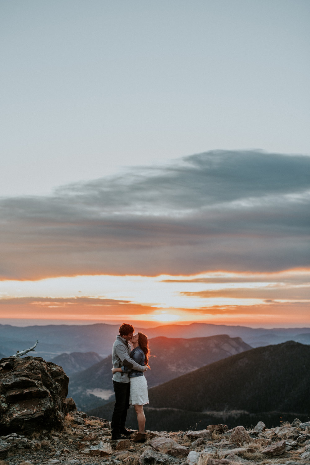 Trail Ridge Road Sunrise Snowy engagement session-4.jpg