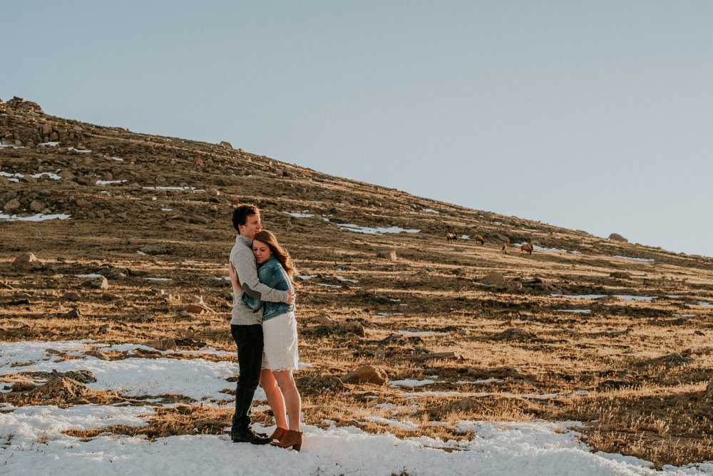 Trail Ridge Road Sunrise Snowy engagement session-17.jpg