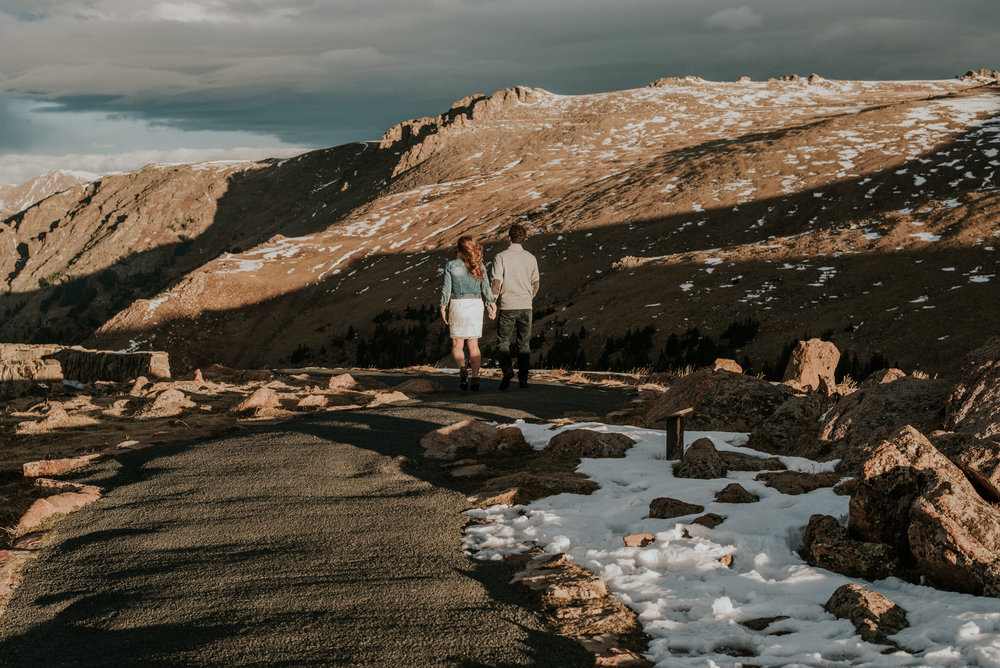 Trail Ridge Road Sunrise Snowy engagement session-20.jpg