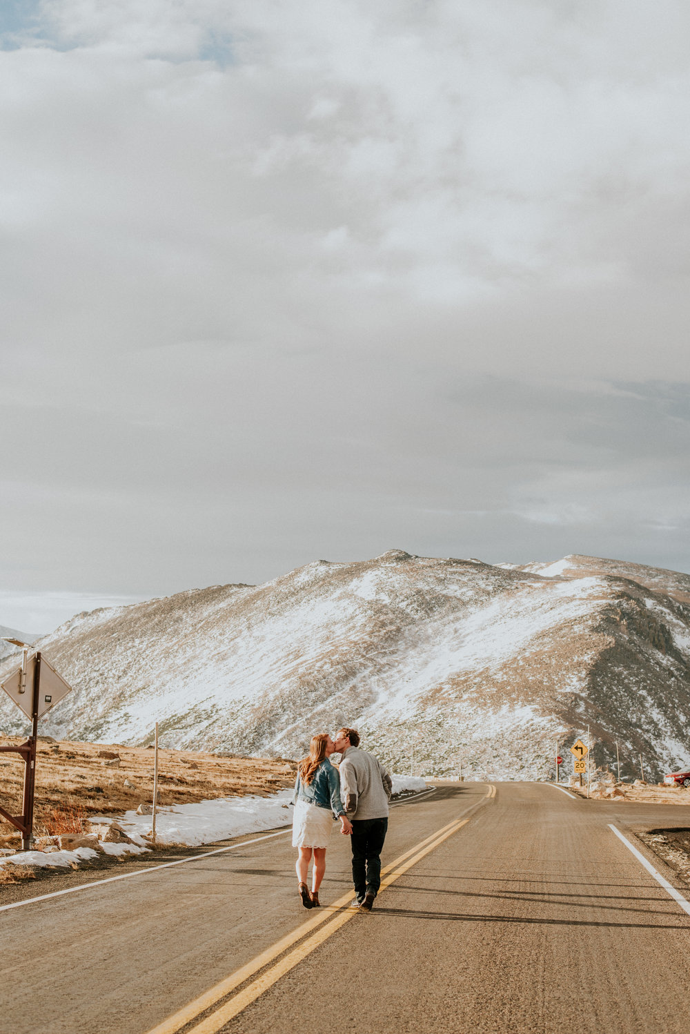 Trail Ridge Road Sunrise Snowy engagement session-28.jpg