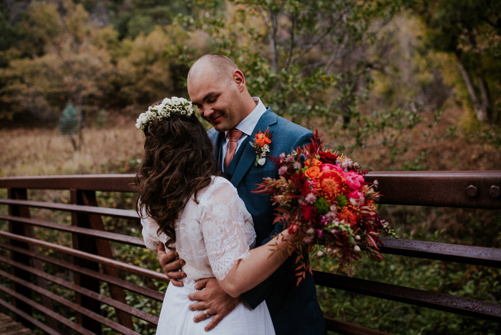 Intimate Adventure Fall Sedona Elopement-73.jpg