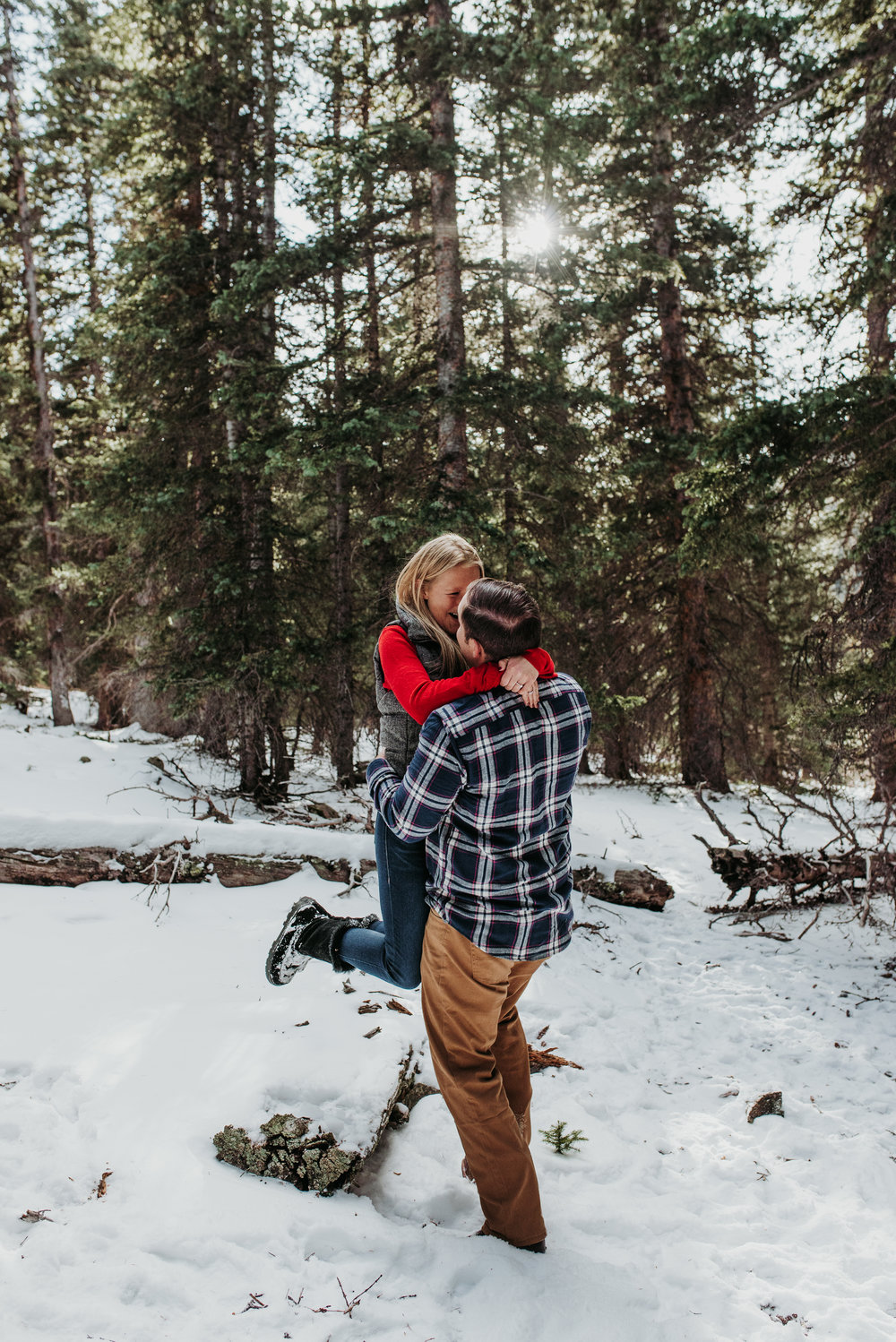 Colorado Adventure Snowy Engagement Session-8.jpg