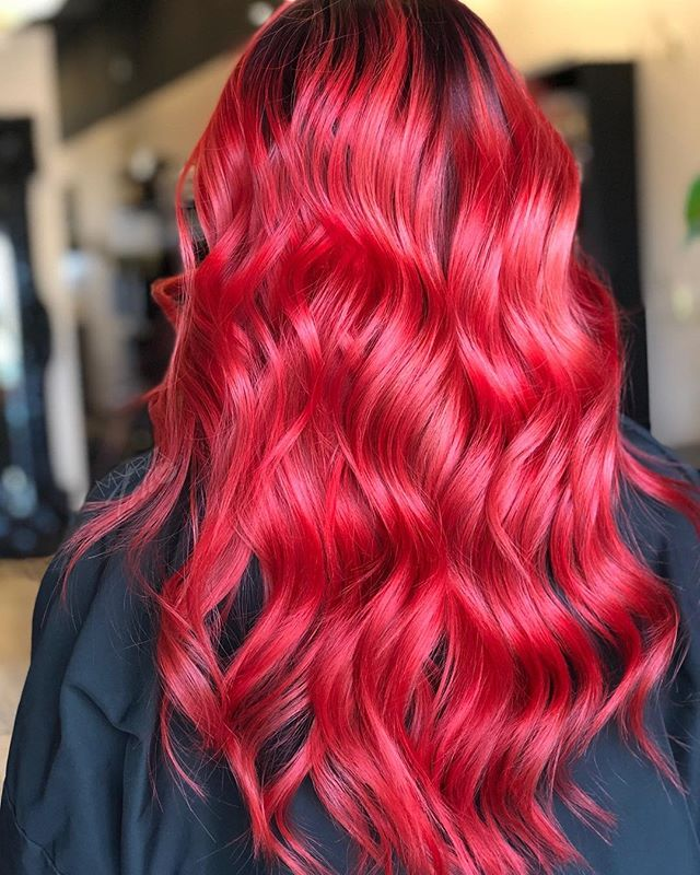 LADY IN RED 💋 Just wait for that before picture. . . . . #myratellosalon #myrasombremelts #inmyrawetrust #behindthechair #balayageombre #modernsalon #americansalon #schwarzkopfprofessional #olaplex #behindthechair #hairpainters #balayagehair #balayageombre #latinahair #colormelt #b3 #dfwstylist #dallashairstylist #dallasombre #dallasbalayage #dfwhairstylist #dallashair #dallasstylist #dallascolor #arlingtonhairstylist #mesquitehairstylist #uptownhairstylist #oakcliffhairstylist #grandprairiehairstylist