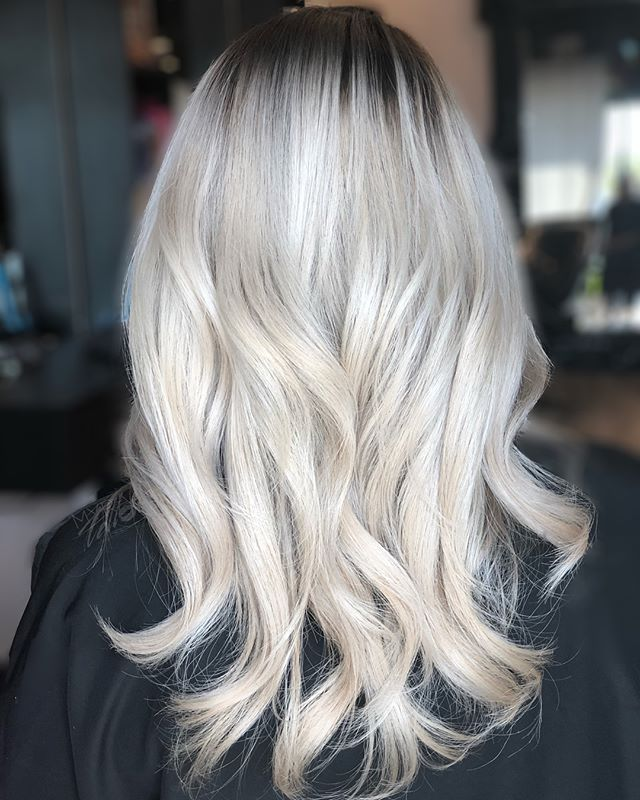 FINALLY we are blonde! This took us 3 session but we are finally there! Yay! That's @medellinvivian for always trusting in me! . . . . . #myratellosalon #myrasombremelts #inmyrawetrust #behindthechair #balayageombre #modernsalon #americansalon #schwarzkopfprofessional #olaplex #behindthechair #hairpainters #balayagehair #balayageombre #latinahair #colormelt #b3 #dfwstylist #dallashairstylist #dallasombre #dallasbalayage #dfwhairstylist #dallashair #dallasstylist #dallascolor #arlingtonhairstylist #mesquitehairstylist #uptownhairstylist #oakcliffhairstylist #grandprairiehairstylist